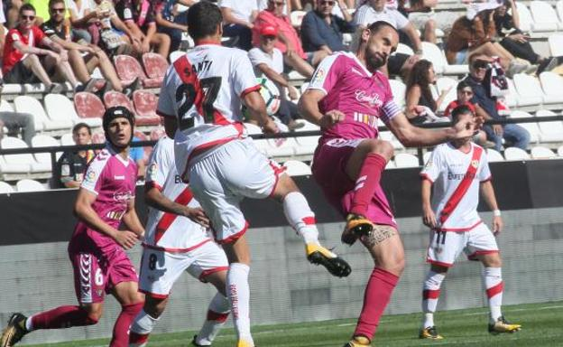 Desastre defensivo del Real Valladolid en Vallecas