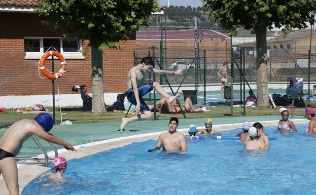 Un buen verano para las piscinas de palencia el norte de for Piscinas norte