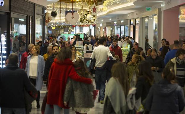 Los comercios de valladolid encaran seis domingos for Festivos valladolid 2017