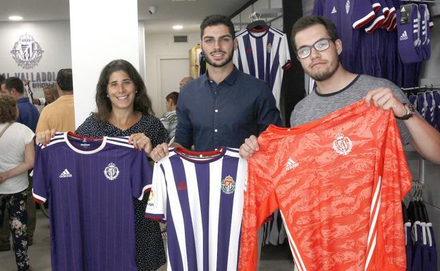 amplia selección precios de liquidación muy genial El 'blanquimorado' del Real Valladolid causa furor | El ...
