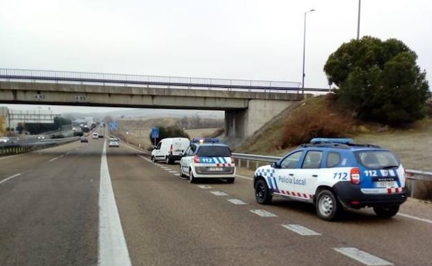 La Policía Local de Arroyo intercepta a la furgoneta en la A-62.