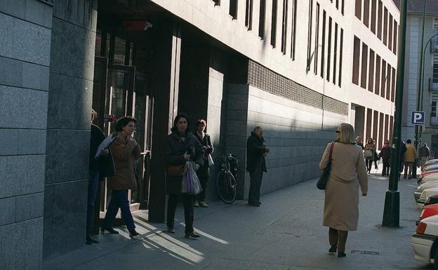 Imagen de archivo de los Juzgados de la calle Angustias./El Norte