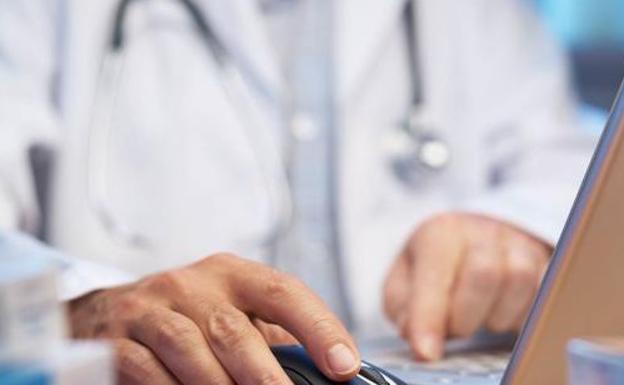 La Audiencia Provincial confirma la condena a una doctora MIR de Urgencias del Hospital de León por homicidio por imprudencia profesional