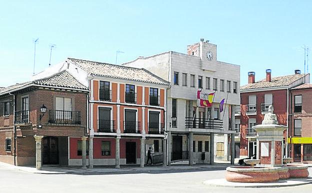 Casa Consistorial porticada del municipio de Villarramiel.