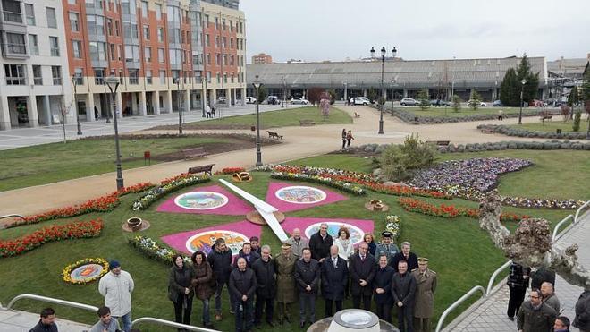 Muestra Las Ya Castilla El HorasNorte De Reloj Floral nk0wXPN8O