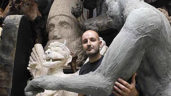 Juan Villa, autor del atrezo de Cuarto Milenio, recibirá este ...