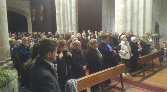 Imagen de la iglesia de San Martín, abarrotada durante el funeral de Agustín Casillas. /